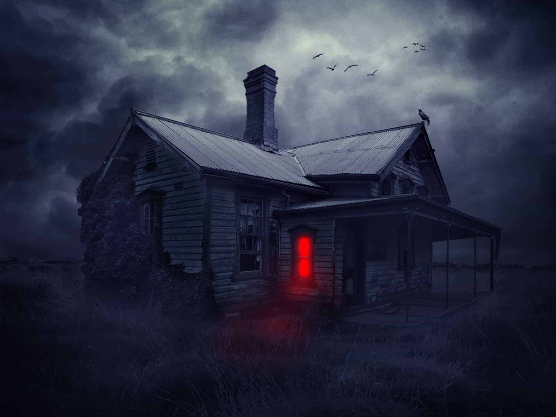 22 Easy Steps to Create This Haunted House Scene